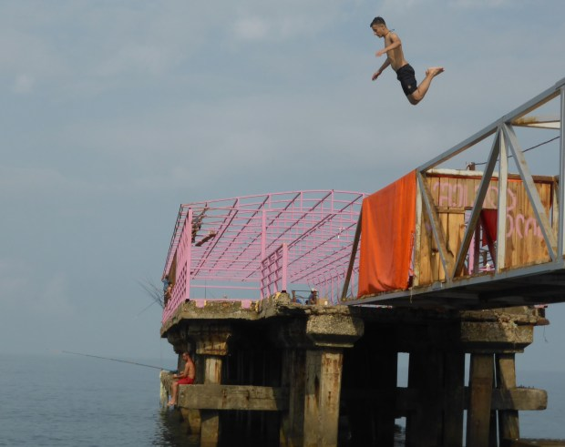 Jumping from the pier at Qobuleti