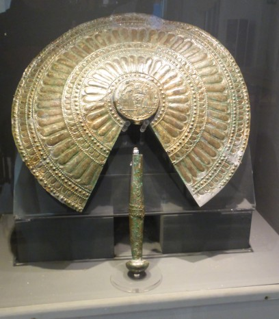Bronze fan (Etruscan)